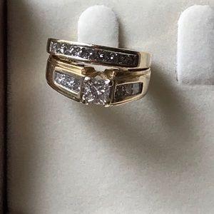Yellow gold & diamond wedding & engagement ring
